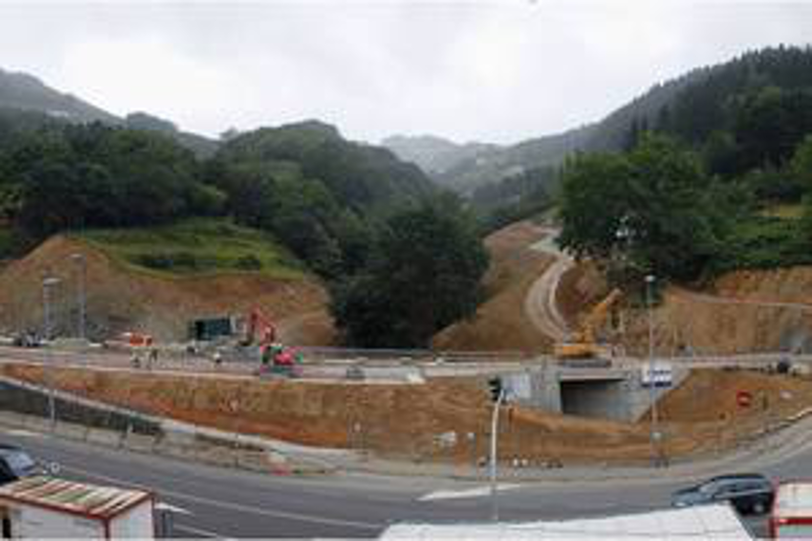 Obras realizadas construcciones sukia for Piscina zabalgana