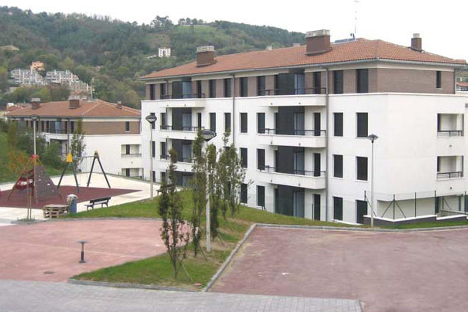 Viviendas en marrutxipi construcciones sukia for Piscina zabalgana