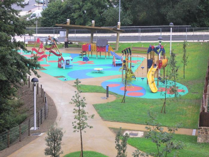 Parque y área infantil Ugarkalde Oñati 2